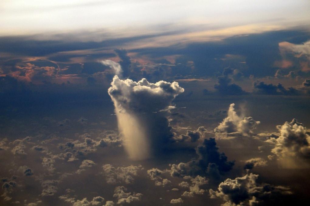 Le nubi si spostano verso i Poli
