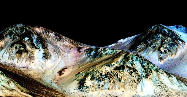 Acqua su Marte, l'annuncio della Nasa