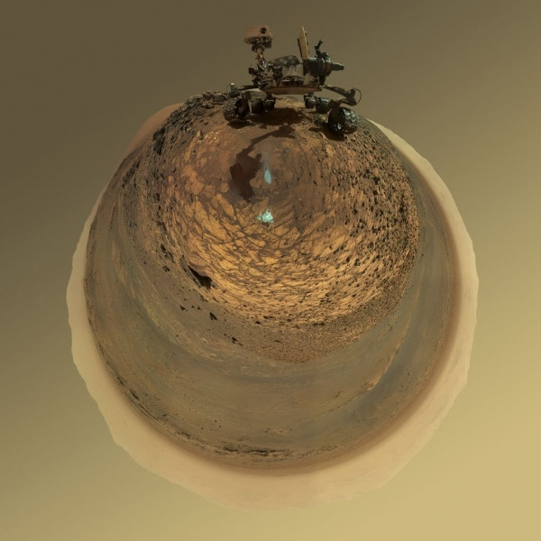 mars-curiosity-rover-msl-horizon-low-angle-selfie-pia19806-br2