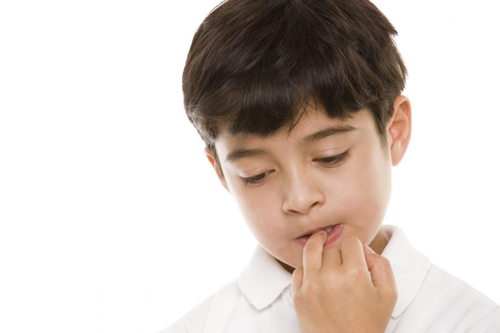 Mani in bocca: un vizio che fa bene?