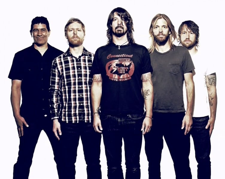 foo-fighters-officail