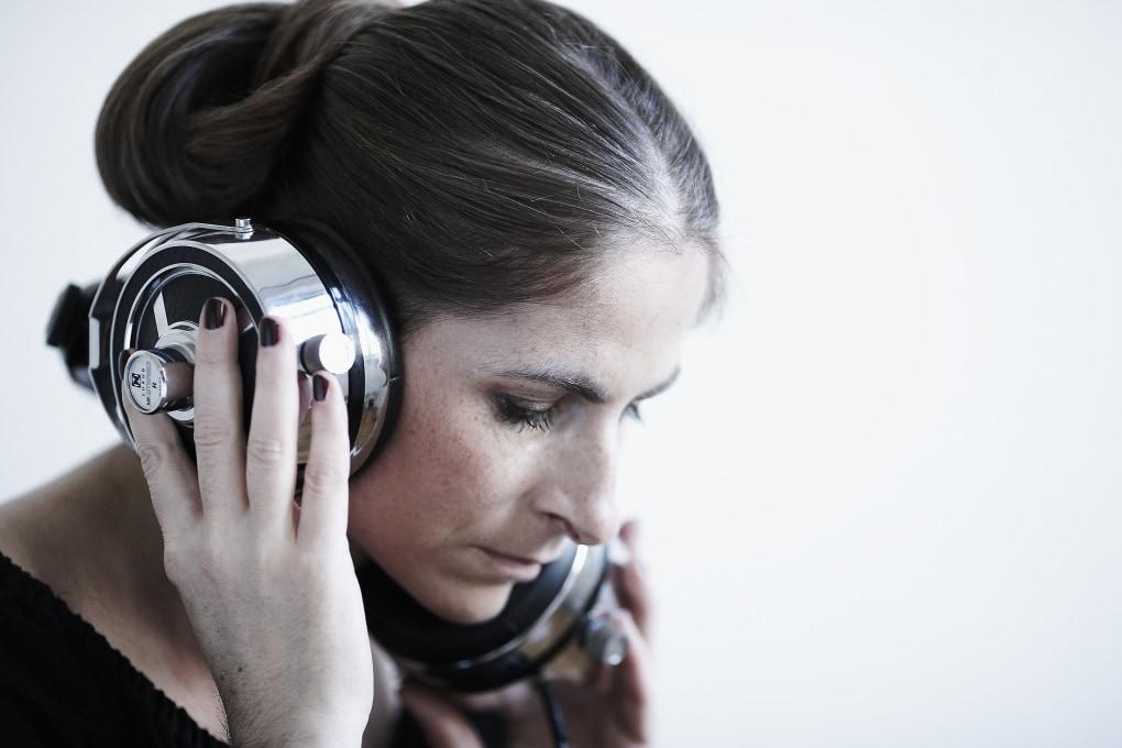 Perché la voce registrata ci sembra diversa (e non ci piace)?