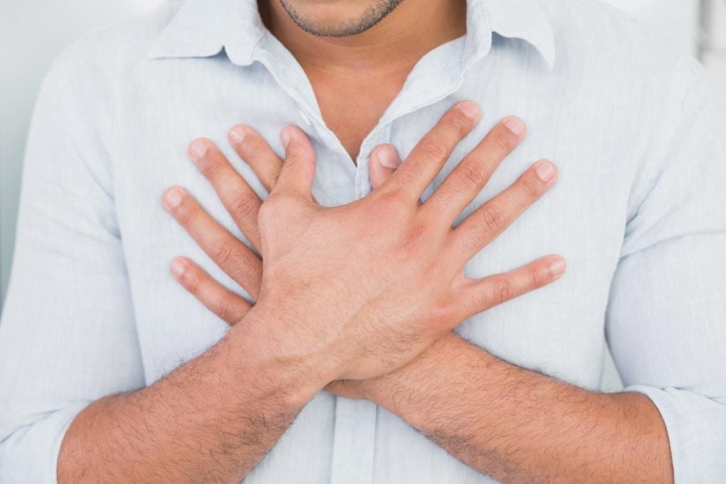 Perché percepiamo le emozioni intense nel petto?