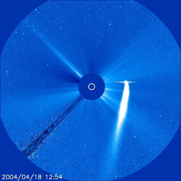 img13-18apr2004-cometbradfield