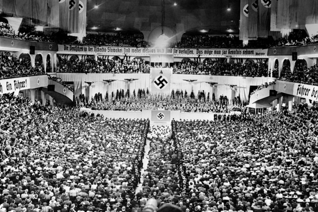 Perché i nazisti presero a simbolo la svastica?