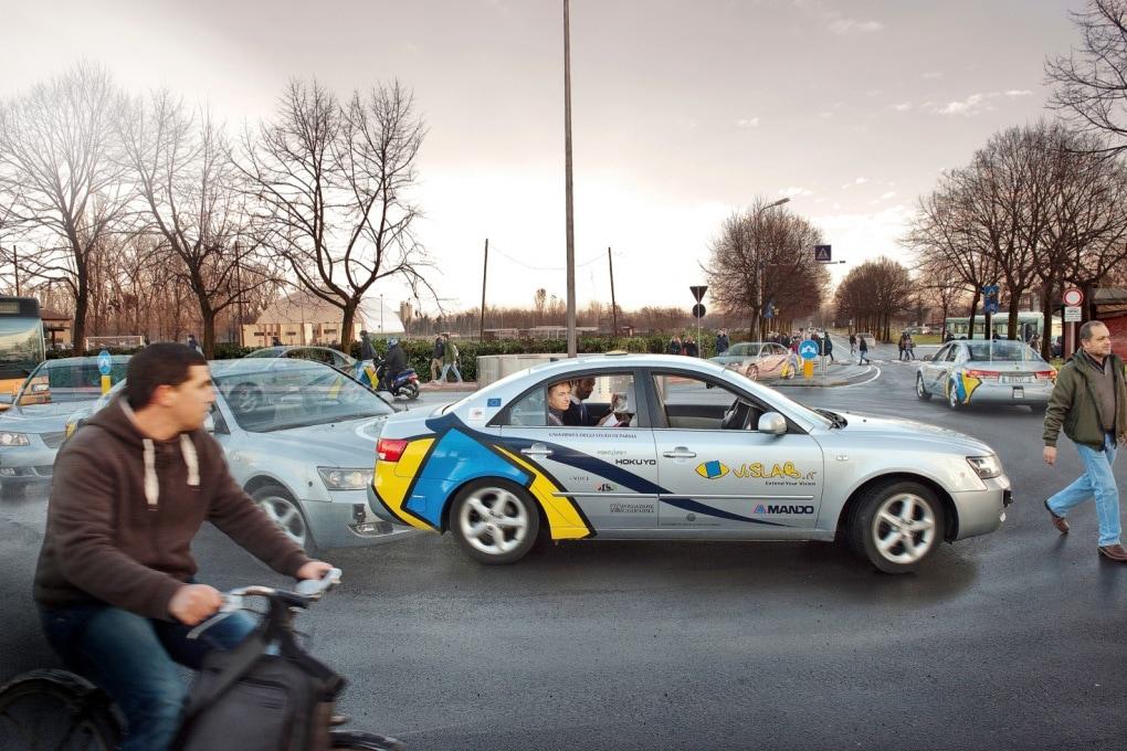 Vislab, l'auto italiana che si guida da sola, venduta per 30 milioni