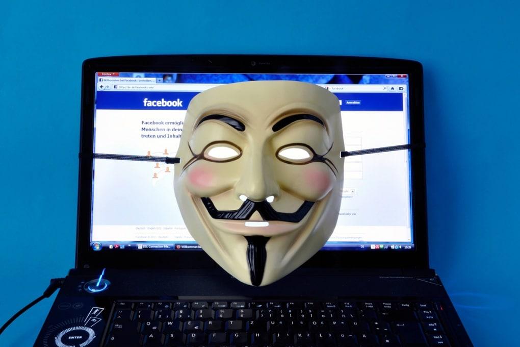 L'app che cancella i post imbarazzanti su Facebook