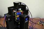 Un secondo per fare il Cubo di Rubik