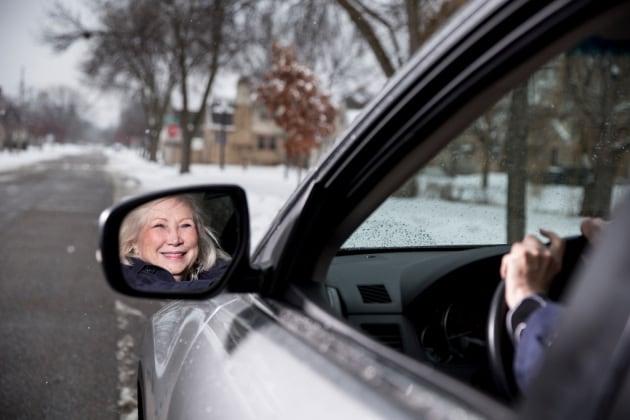 Gli anziani alla guida? Meglio dei ventenni