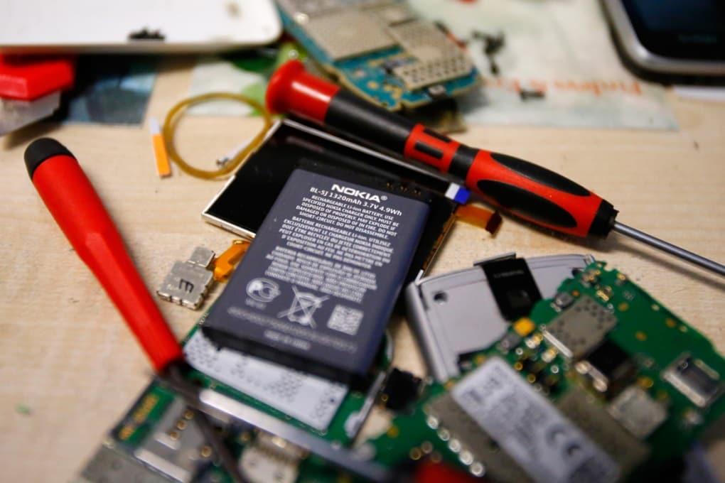 Energia per smartphone & Co.: le batterie litio-aria