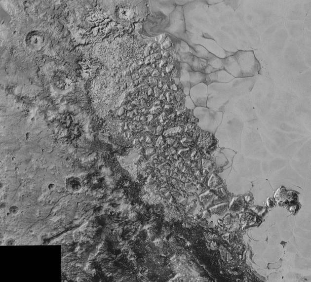 La complessa geologia di Plutone