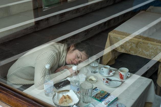 8 modi per combattere il jet lag