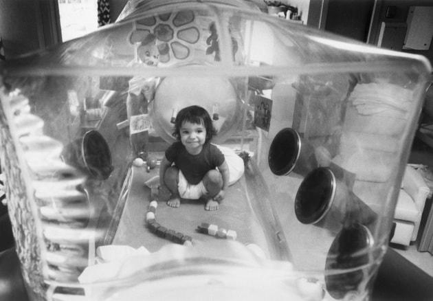 La storia del primo bambino-bolla