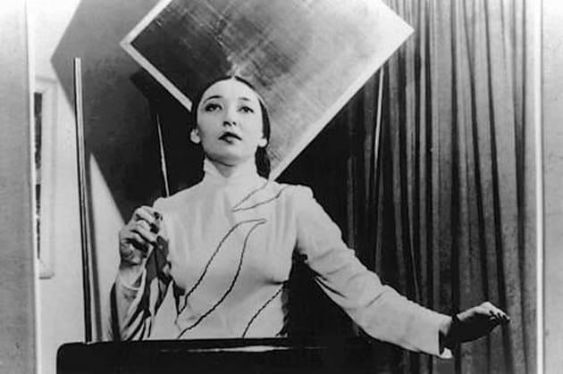 Clara Rockmore e il theremin