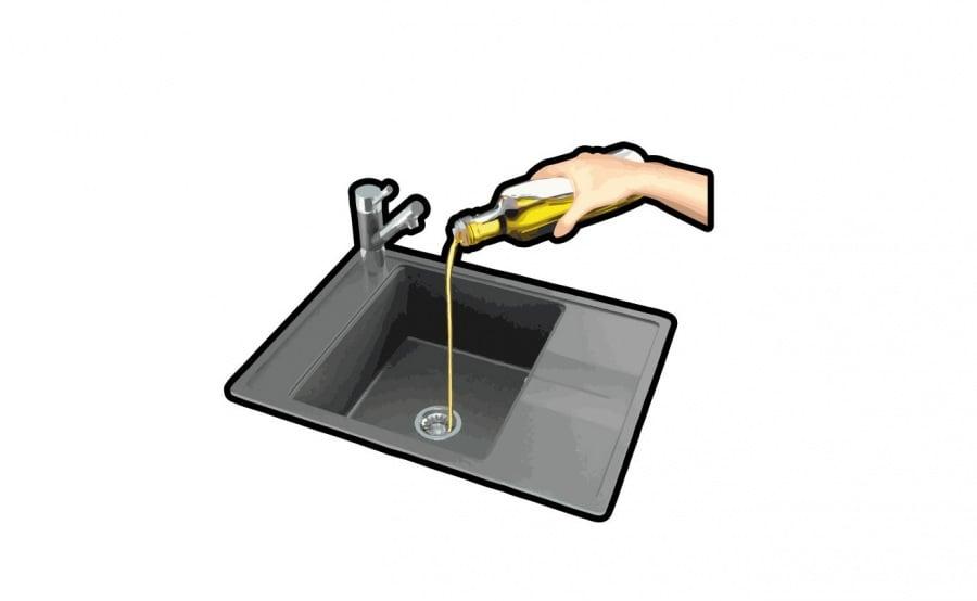 olio-nello-scarico