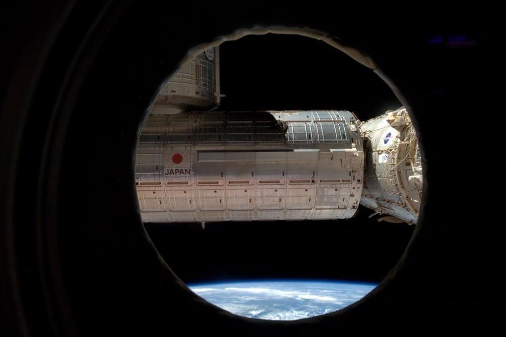 Giornata di traslochi sulla ISS