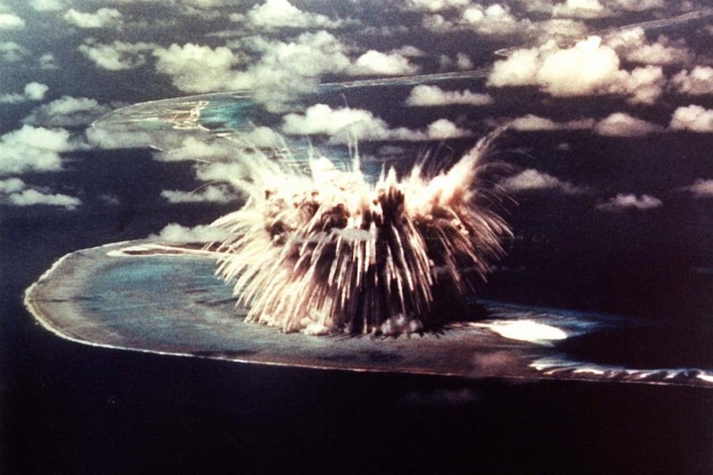 Un test di bomba H effettuato dagli Stati Uniti nel 1956