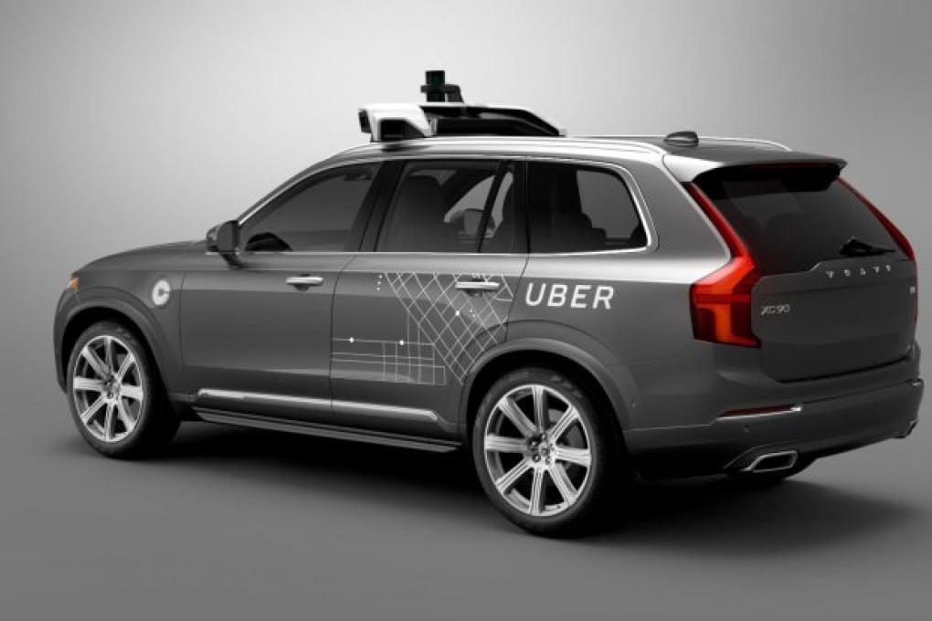 Uber lancia il primo taxi senza autista