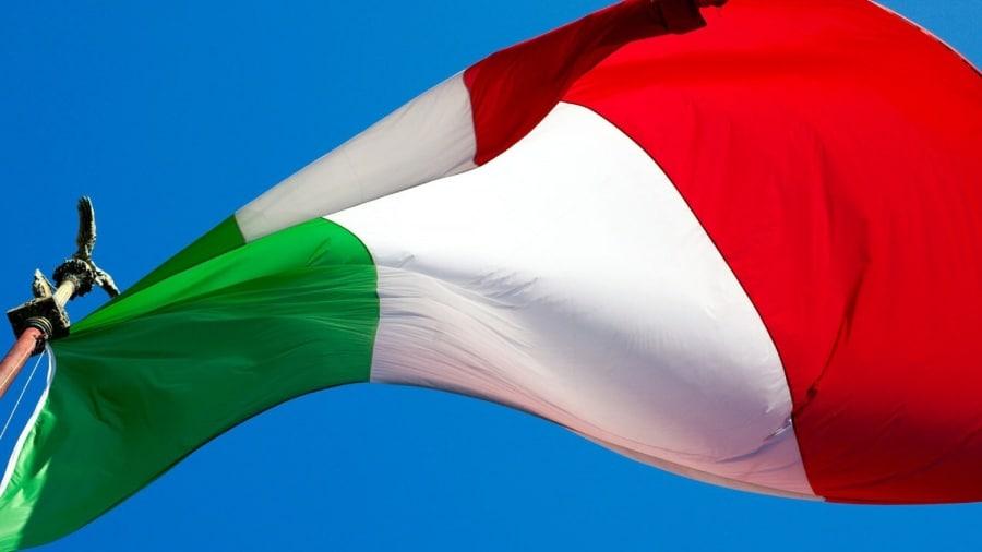 10 1 cose che forse non sai sulle bandiere - Bandiere bianche a colori ...