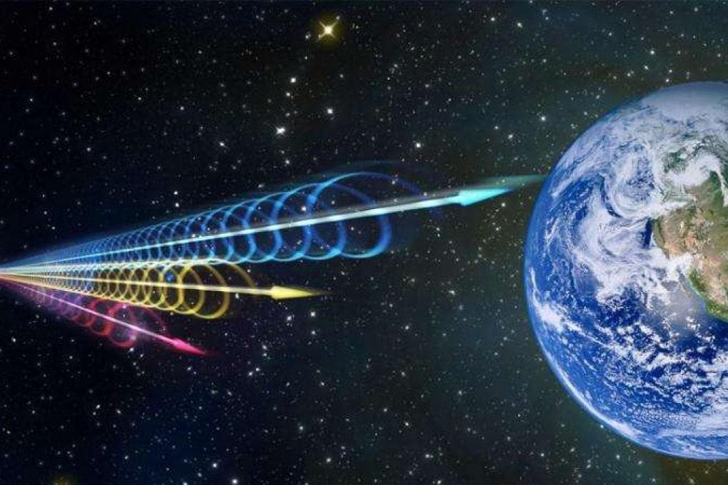 Il mistero dei flash di onde radio