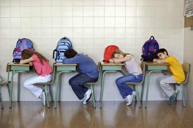 Scuola, inizio alle 11.00 per adolescenti in salute