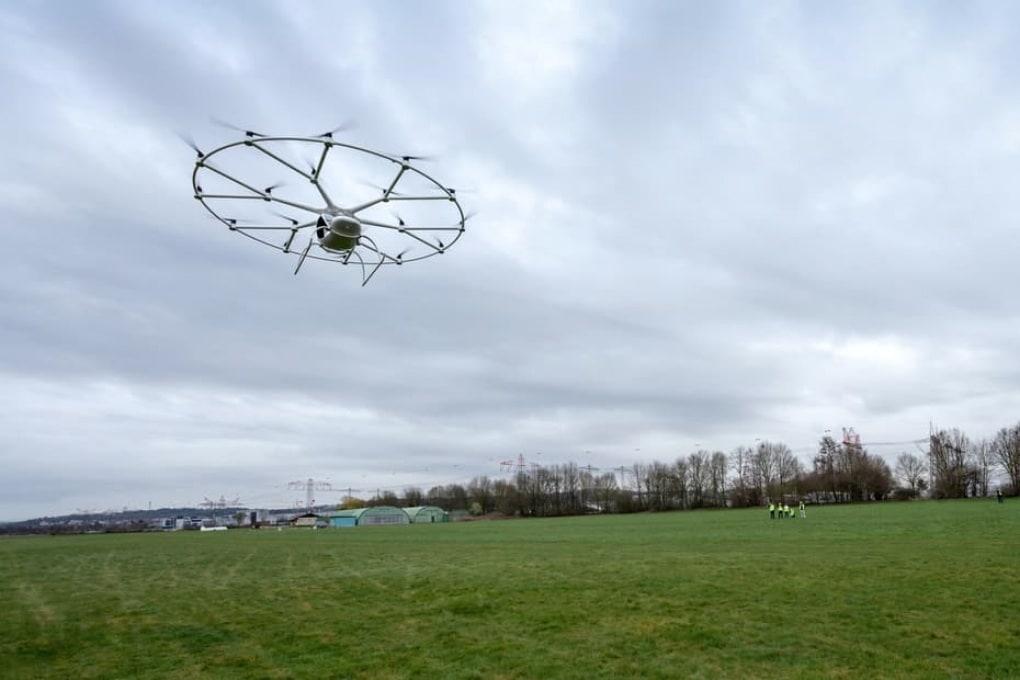 Volocopter: primo volo pilotato per il taxi volante