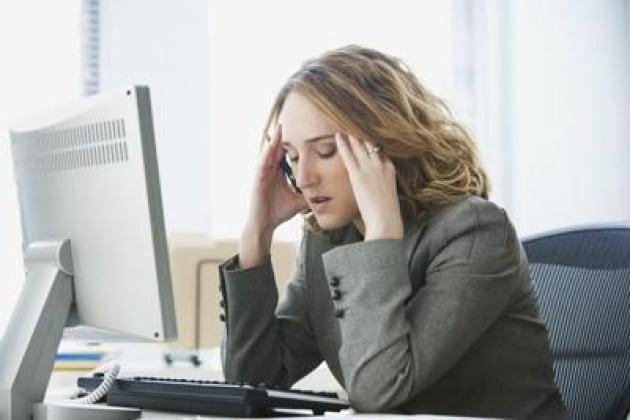 stress_donna_computer_web