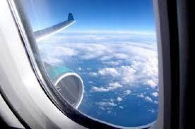 Salute: aereo 'covo' batteri, 80 mln su valigie e anche tavolini infestati