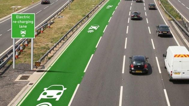 La strada che ricarica le auto elettriche