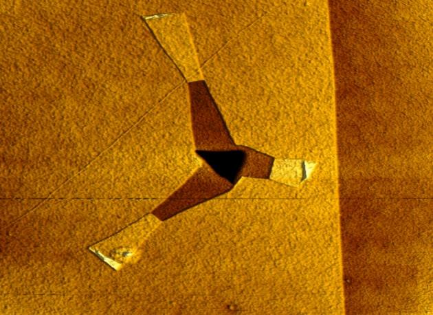 graphene-gold-718x523