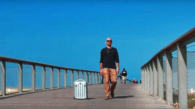 La valigia robot che ti segue da sola