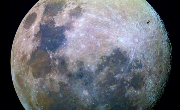 Il fotografo, la ISS e la Luna