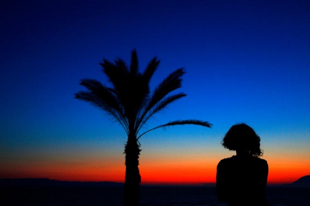 Perché all'alba e al crepuscolo vediamo blu?
