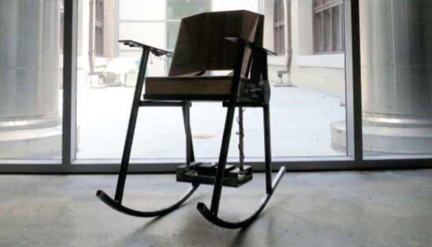 Sedia A Dondolo Inventore.La Sedia A Dondolo Che Genera Elettricita Focus It