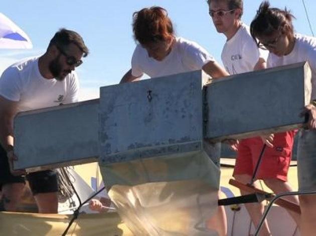 Goletta dei Laghi fa tappa sul Verbano, monitoraggio sui microlitter