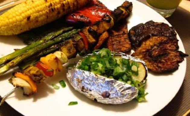 Estate: tofu, mopur, seitan e verdure, ricette da chef per grigliate veg