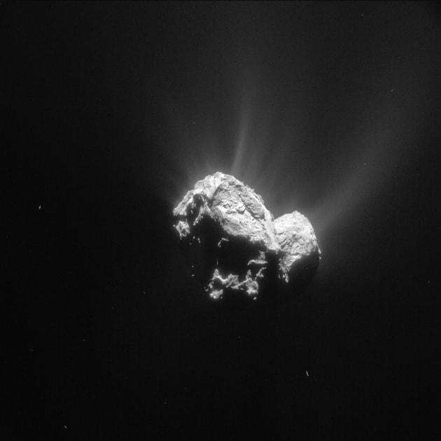 rosetta_navcam_comet_67p_20150504_enhanced