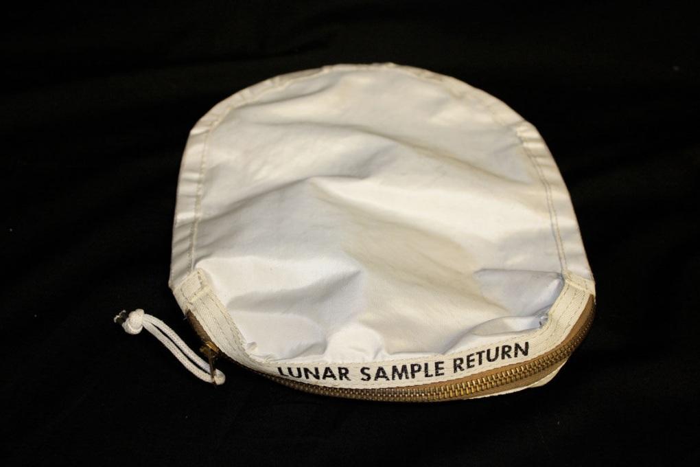 Un cimelio dell'Apollo 11 venduto per errore