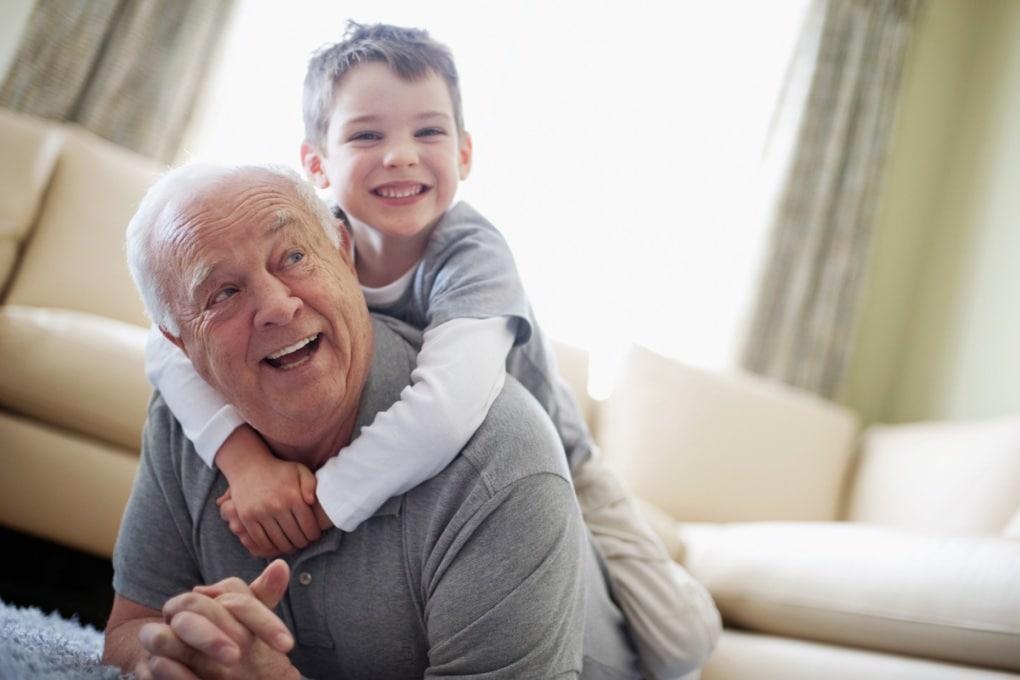 I geni che tengono in forma i nonni