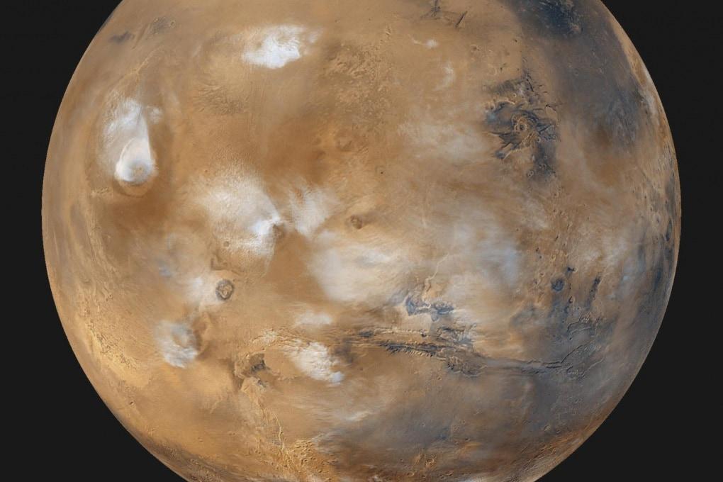 Le eruzioni che hanno spostato i poli di Marte
