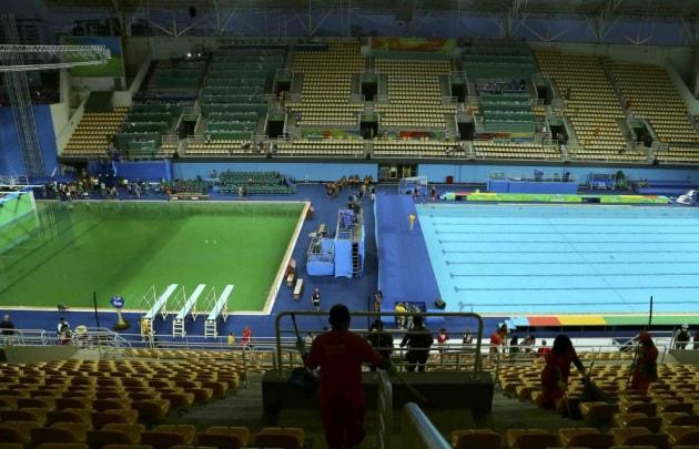 Perché l'acqua della piscina dei tuffi di Rio 2016 è diventata verde?