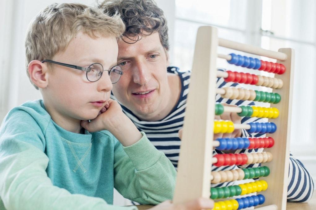Giocare a casa con la matematica aiuta a scuola