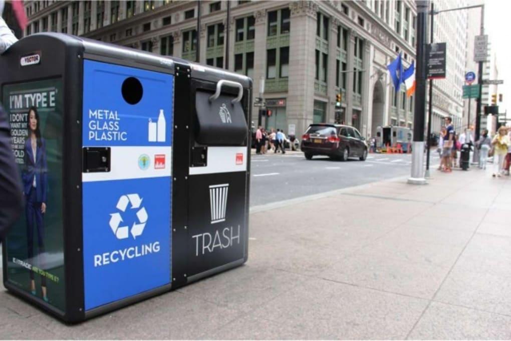 New York, arrivano i bidoni dei rifiuti con il wi-fi