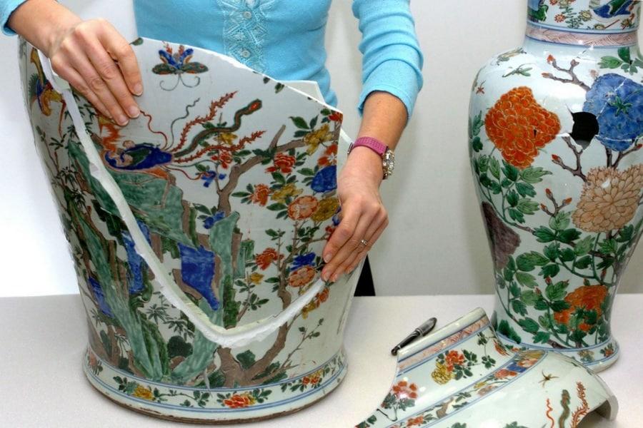 opere-arte-danneggiate-per-errore_ceramiche-cinesi