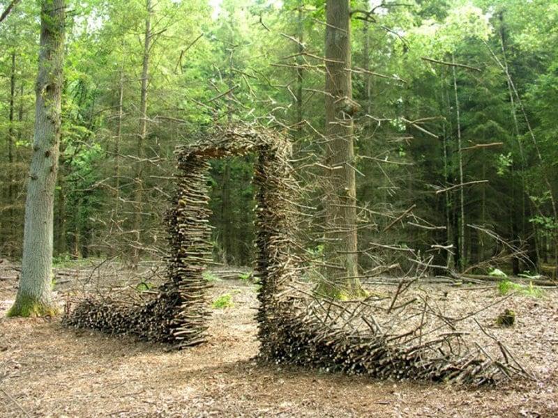 cornelia-konrads-floating-sculptures-that-defy-gravity-9
