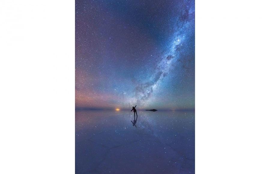 the-mirrored-night-sky-c2a9-xiaohua-zhao