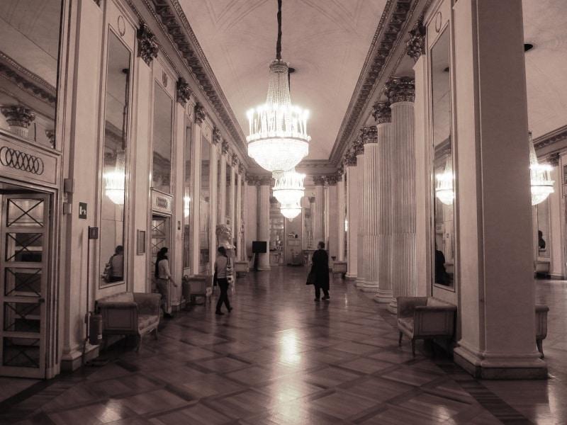 milano_teatro_alla_scala_interior_foyer