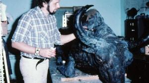 Il tassodermista  lavora al restauro di Blue Babe
