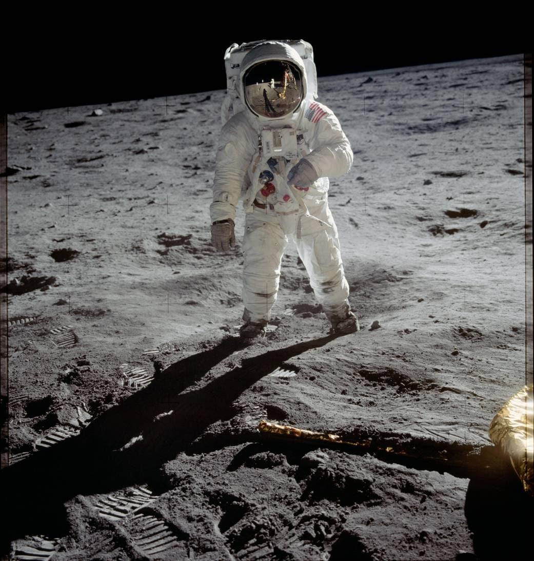 Storia Della Focus Curiosa it Luna La Prima Impronta U6q6EHw
