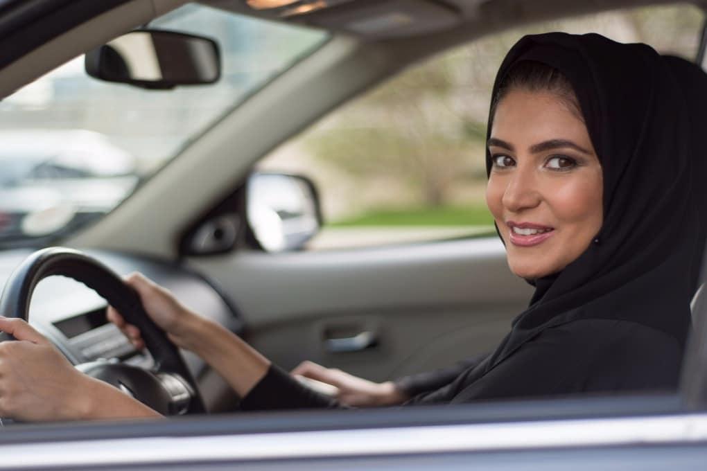La storia dei diritti delle donne, ora che potranno guidare in Arabia Saudita